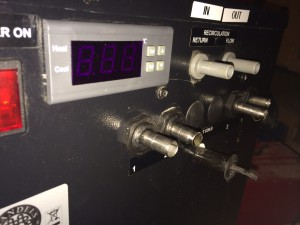 Closer shot of the box. The four tubes below the flow and return allow you to use this unit as a cold plate for cooling beer.