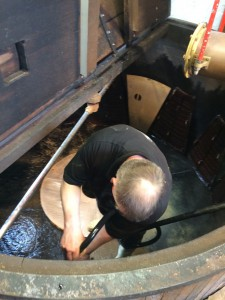 Cleaning the mash tun
